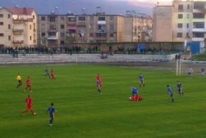 Alarmohen tifozët e  Burrelit, presion  te pushteti lokal  për futbollin!